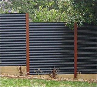 Gard din tabla ondulata zincata si vopsita