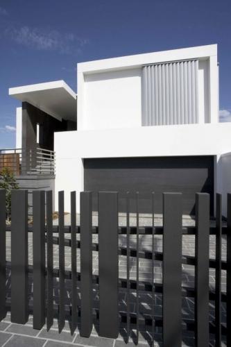 Gard metalic modern