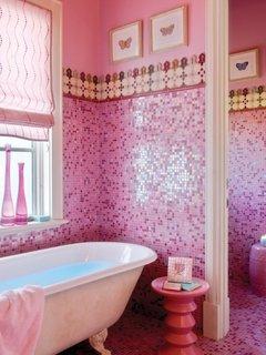Baie placata cu mozaic roz