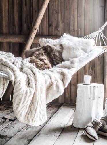 Un pui de somn intr-un hamac confortabil