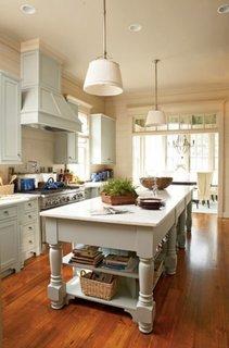 Hota de bucatarie placata cu fronturi de mobilier
