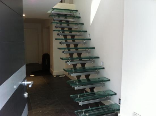 Scara cu trepte din sticla