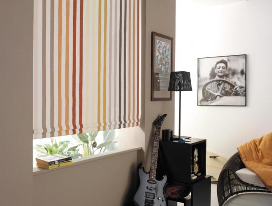 Rolete textile decor imprimeu dungi verticale colorate decor fereastra modern