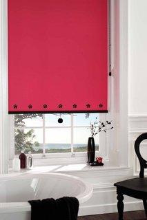 Rulou textil fara imprimeu rosu cu accesorii negre