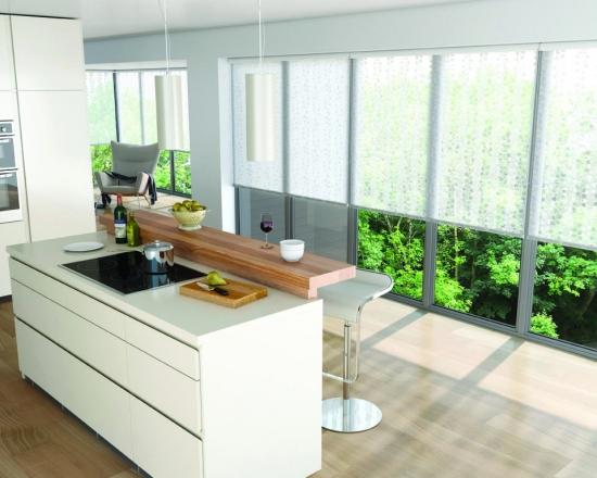 Rulouri de panza pentru ferestre mari de bucatarie