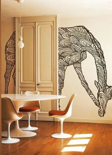 Desene alb negru pe pereti