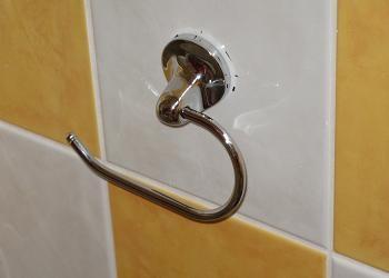 Montare suport hartie igienica - Poze accesorii baie