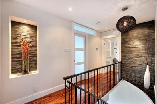 Hol modern casa scarii cu nisa cu iluminare
