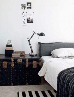 Dormitor amenajat in stil industrial