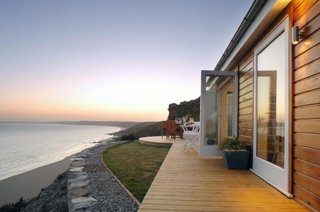 Casa de vacanta localizata pe plaja