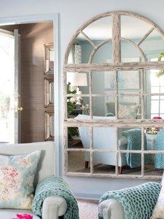 Oglinda in forma de fereastra cu o reflexie de vis
