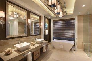 Oglinzi moderne pentru baie cu rama argintie