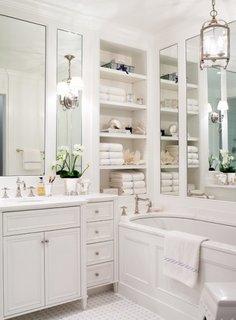 Oglinzi pentru baie cu etajere pentru depozitare eficienta