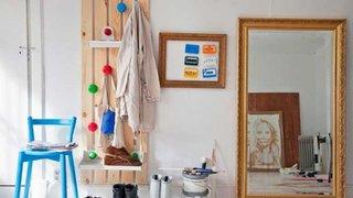 Perete al camerei folosit eficient pentru economisirea spatiului