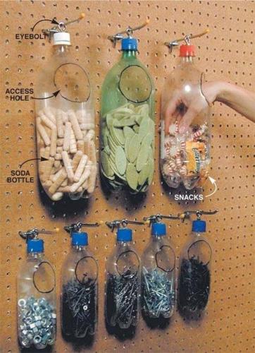 Depozitare cuie in sticle de plastic