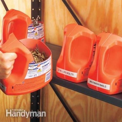 Suporturi depozitare din recipiente detergent lichid