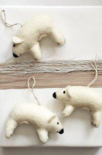 Ursi polari din fetru pentru brad
