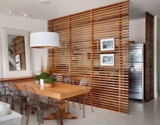 Delimitator pentru camera din lemn