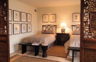 Paravan decorativ din lemn pentru dormitor