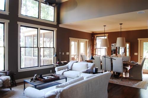 Living open space cu peretii si parchet maro inchis