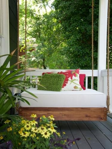 Idee pentru amenajarea unei terase cu balansoar