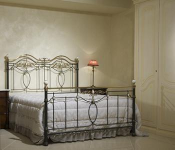 model clasic de pat din fier forjat