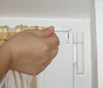 Montare sina pentru perdea de baie