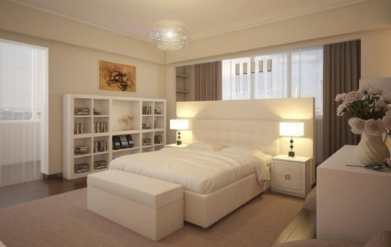 Dormitor amenajat simplu cu mobila perdele albe