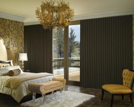 Draperii in falduri mici pentru un dormitor Art Deco