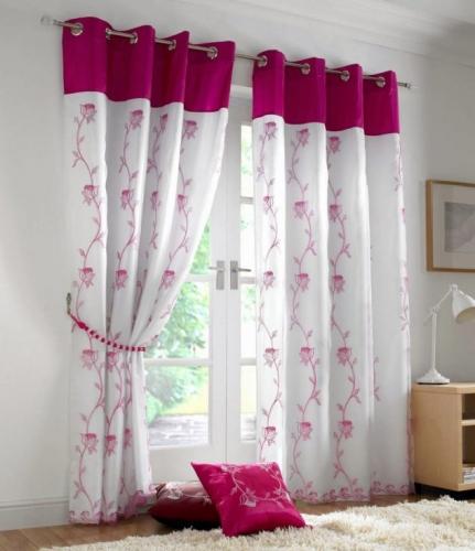 Draperie cu imprimeuri florale roz