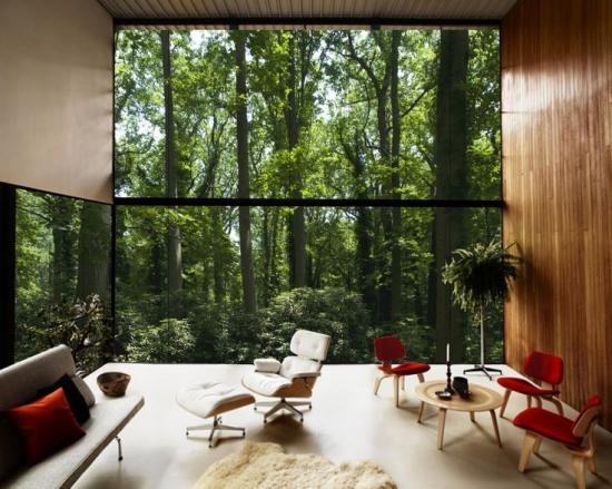 Interior minimalist cu accente de rosu