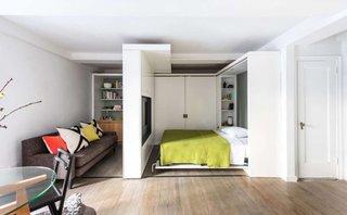 Garsoniera cu living si dormitor si dressing cu usi glisante