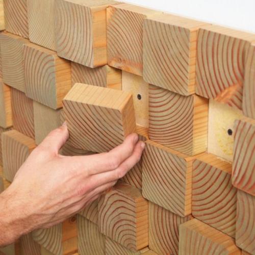 Living cu pereti din lemn