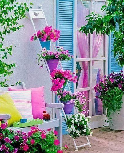 Suport pentru flori dintr-o scara