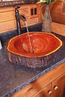 Chiuveta rustica din trunchi de copac