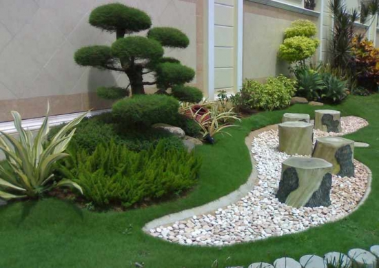 Decoratiune gradina cu pietre
