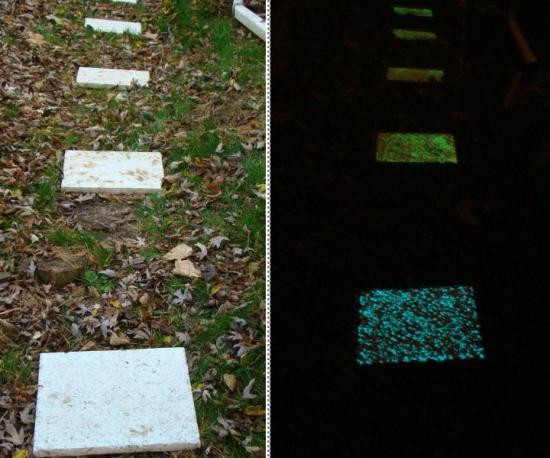 Alee cu pietre fosforescente multicolore