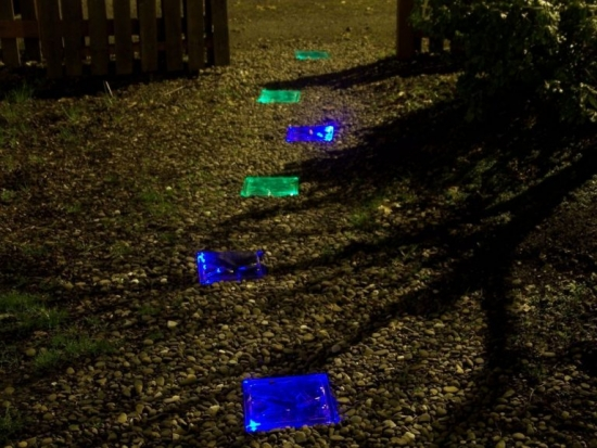 Pietre fosforescente albastre si verzi