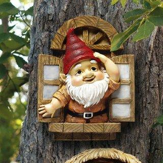 Accesorii decorative pentru copacii din gradina