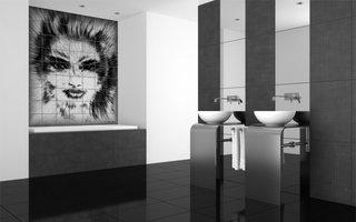 Decor retro pentru o baie decorata cu negru si alb si faianta imprimata