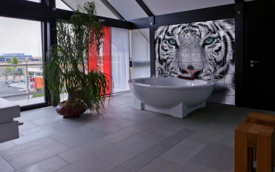 Imagine leopard imprimata pr faianta din baie