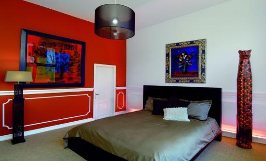 Profile decorative de interior asortate cu usa