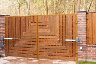 Model poarta din lemn
