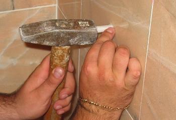 introducere diblu in perete