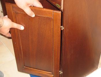 Mobilier baie dulap lemn tratat umezeala usa din dreapta