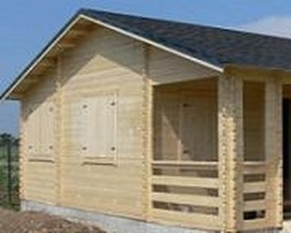 Casa construita pe structura de lemn fara etaj