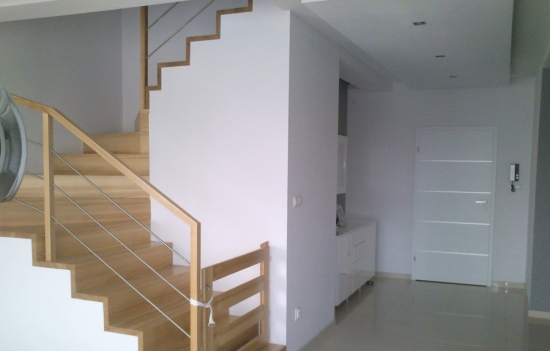 Scara de interior placata cu lemn
