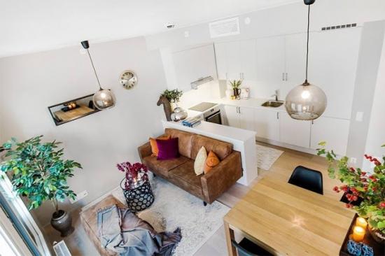 Open space modern cu decor alb