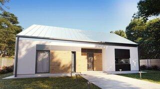 Vedere spate casa cu arhitectura simpla
