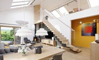 Amenajare moderna living cu scari